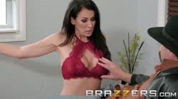 Brazzers - Milf Reagan Foxx cheats on her husband with stranger